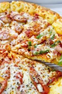 上手そうなチーズピザ